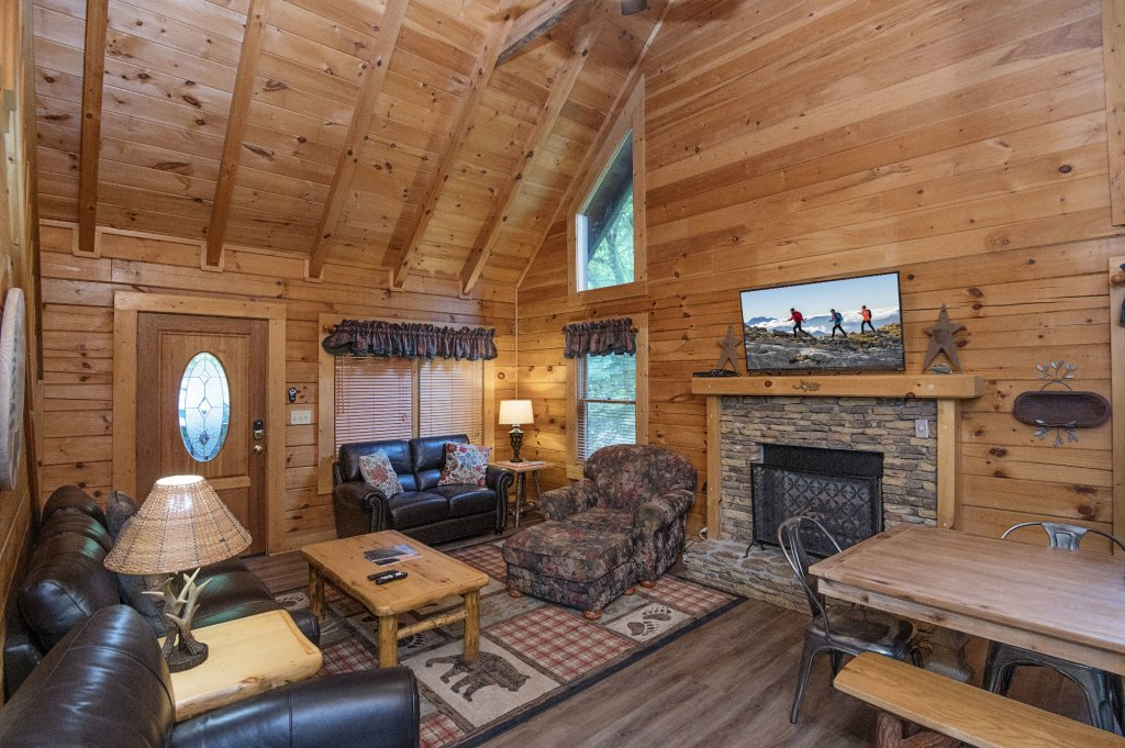Photo of a Pigeon Forge Cabin named  Coal Miners Cabin - This is the fifth photo in the set.