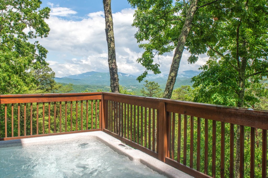 Photo of a Sevierville Cabin named Evergreen - This is the twentieth photo in the set.