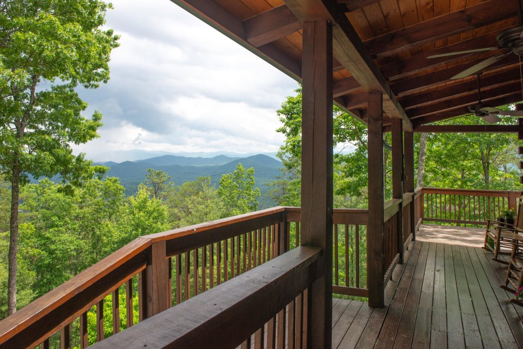 Photo of a Sevierville Cabin named Evergreen - This is the twenty-second photo in the set.