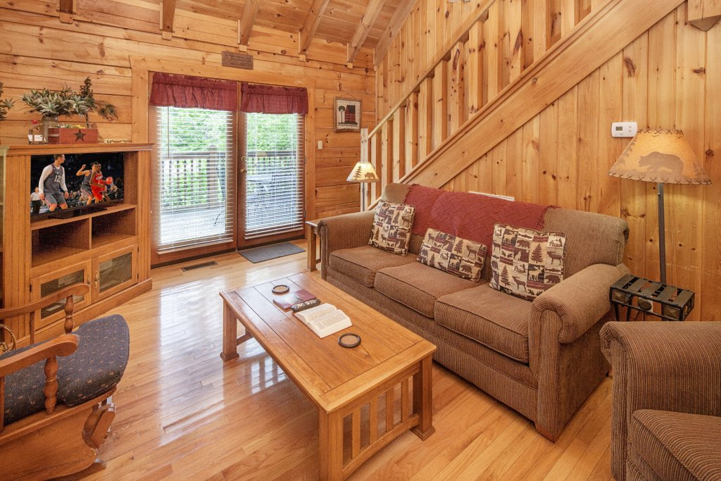 Photo of a Pigeon Forge Cabin named  Heavenly Peace - This is the fourth photo in the set.