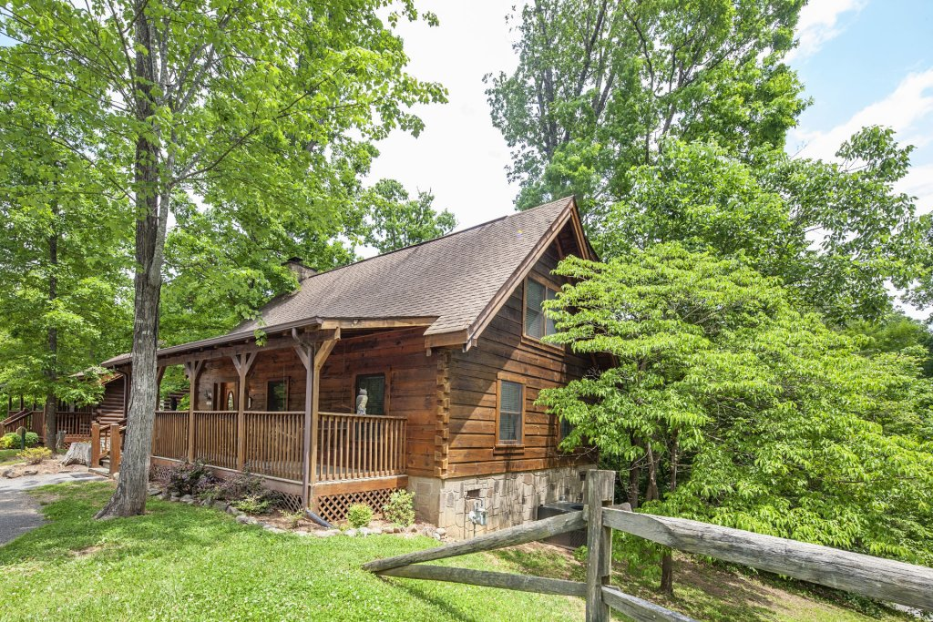 Photo of a Pigeon Forge Cabin named  Heavenly Peace - This is the first photo in the set.
