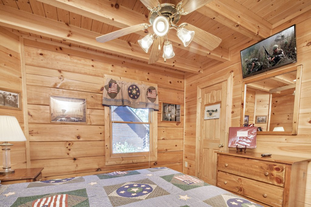 Photo of a Pigeon Forge Cabin named  George's - This is the fourteenth photo in the set.