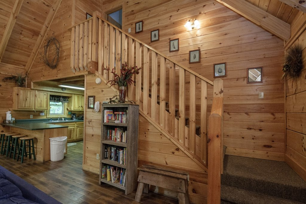 Photo of a Pigeon Forge Cabin named  George's - This is the fifth photo in the set.