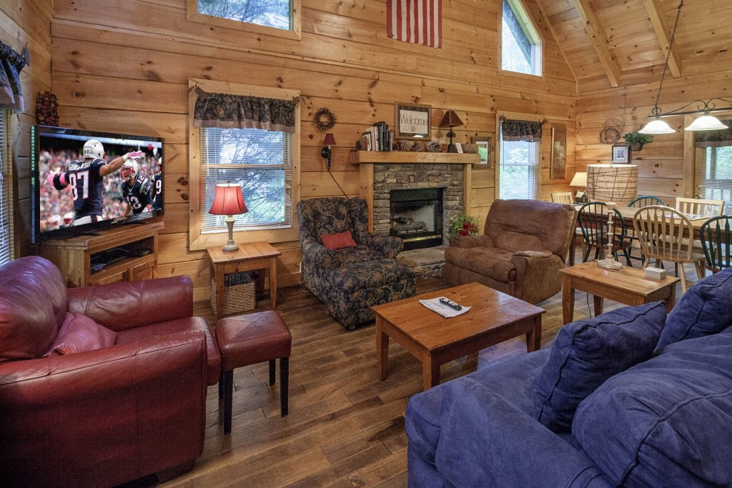 Photo of a Pigeon Forge Cabin named  George's - This is the fourth photo in the set.