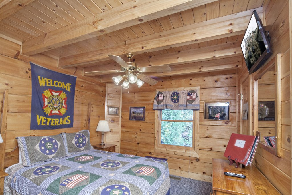 Photo of a Pigeon Forge Cabin named  George's - This is the fifteenth photo in the set.