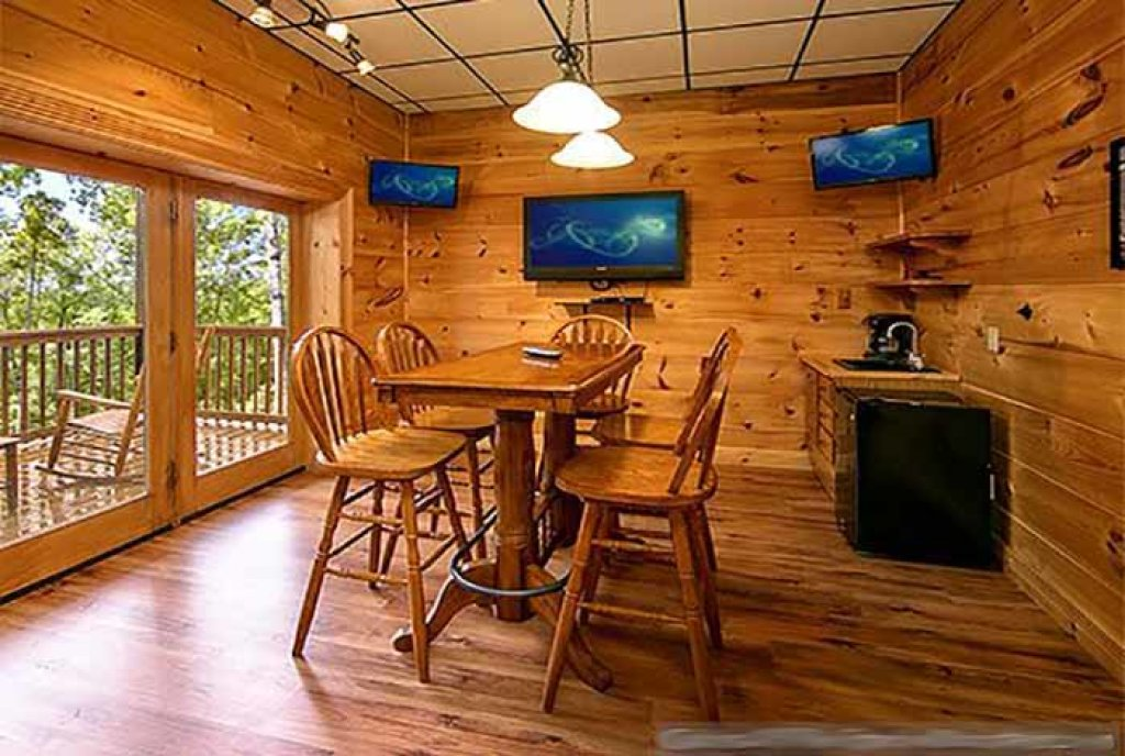Photo of a Pigeon Forge Cabin named Sunset Mountain View - This is the sixth photo in the set.