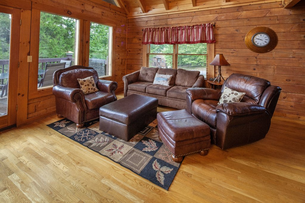 Photo of a Pigeon Forge Cabin named  Smoky Mountain Escape - This is the fifth photo in the set.