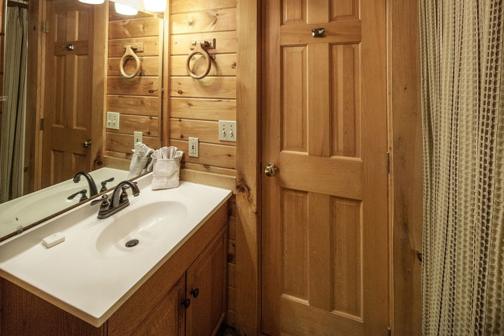Photo of a Pigeon Forge Cabin named  Smoky Mountain Escape - This is the twenty-second photo in the set.