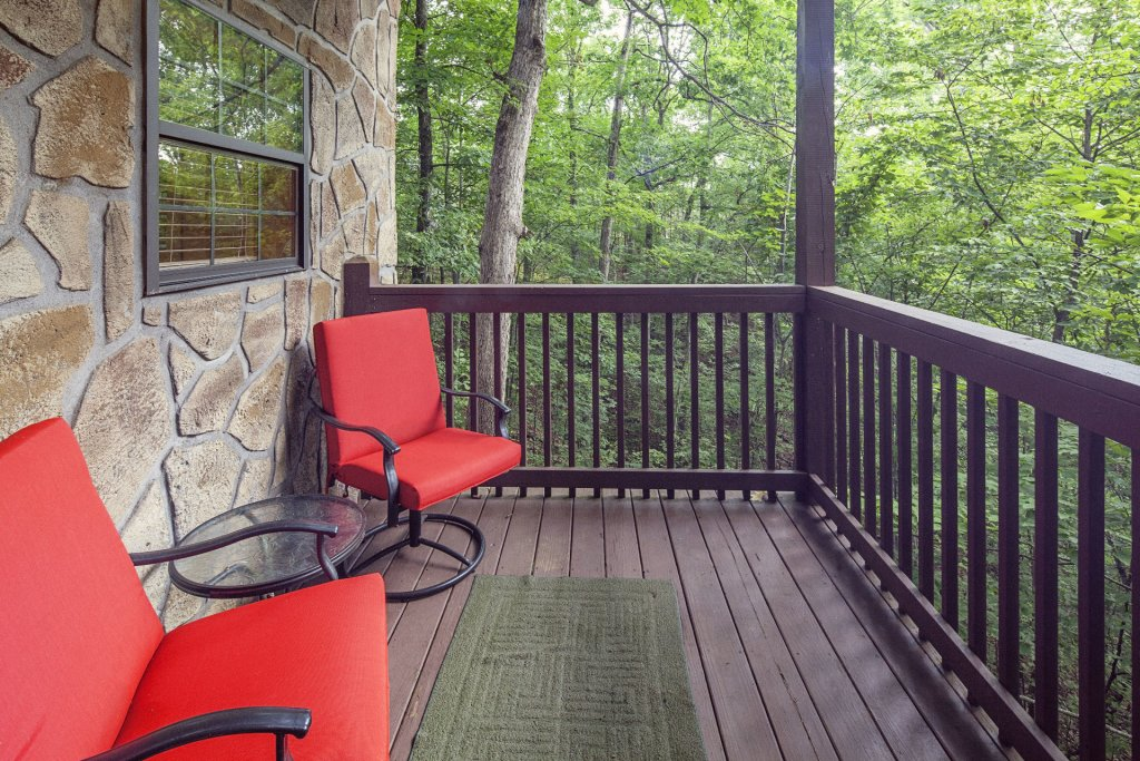 Photo of a Pigeon Forge Cabin named  Smoky Mountain Escape - This is the thirty-third photo in the set.