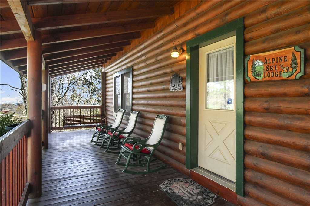Photo of a Gatlinburg Cabin named Alpine Ski Lodge - This is the twenty-second photo in the set.