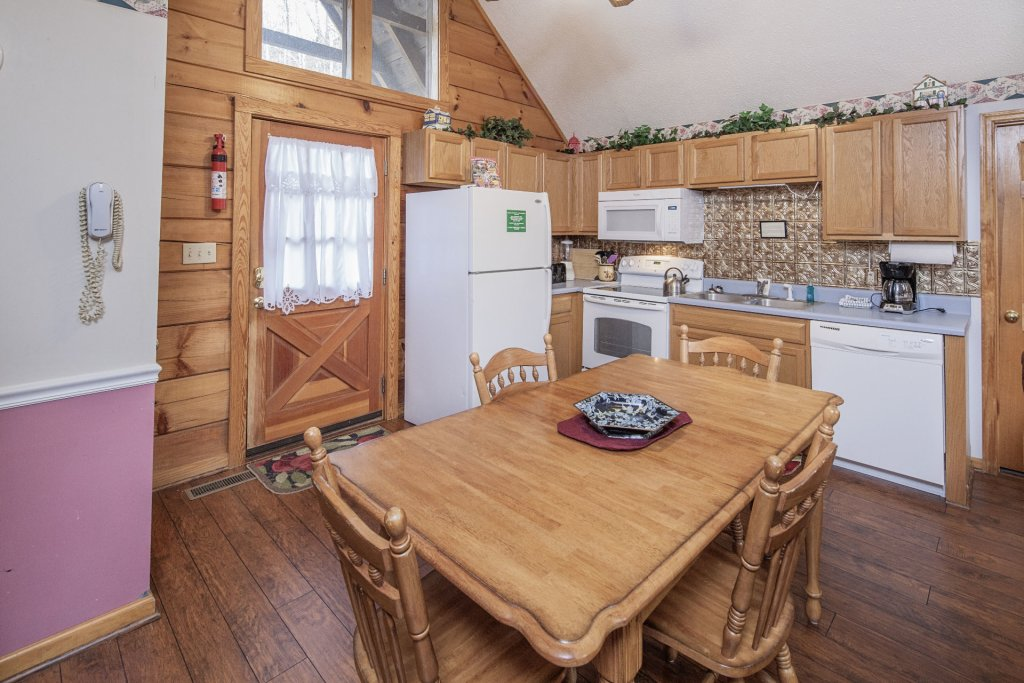 Photo of a Pigeon Forge Cabin named  Cherith Brook - This is the fifth photo in the set.