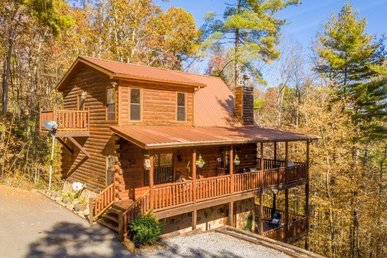 A 2 Bedroom, 3 Bathroom, Luxury Cabin For 8 With A Woodburning Fireplace.