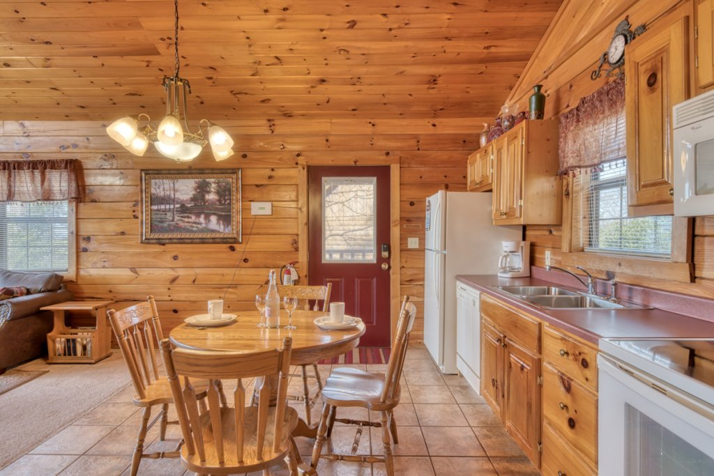Photo of a Sevierville Cabin named All About Romance - This is the eighth photo in the set.