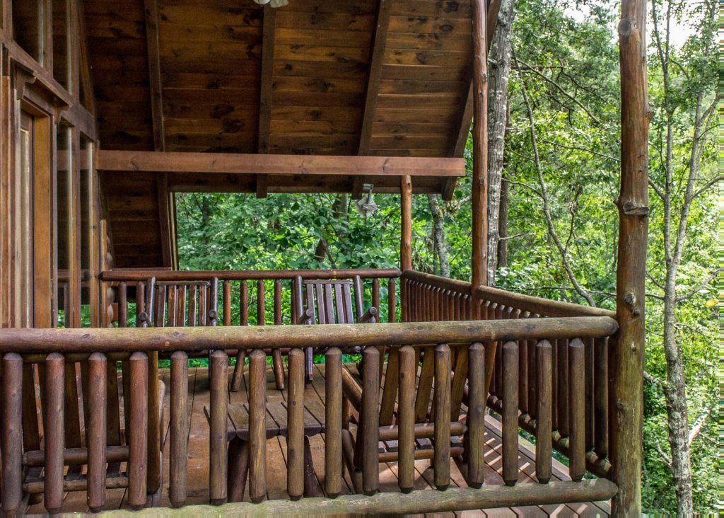Photo of a Sevierville Cabin named Bear Hug #18 - This is the twentieth photo in the set.