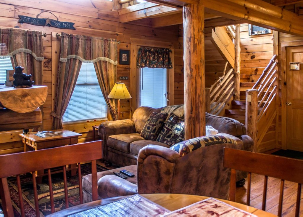 Photo of a Sevierville Cabin named Bear Hug #18 - This is the eighth photo in the set.