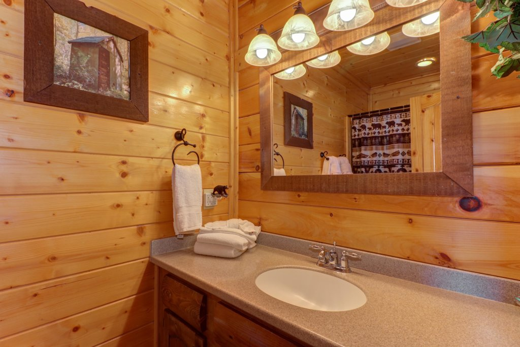 Photo of a Sevierville Cabin named Bella Vista - This is the twenty-third photo in the set.