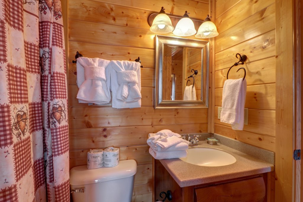 Photo of a Sevierville Cabin named Bella Vista - This is the twenty-sixth photo in the set.