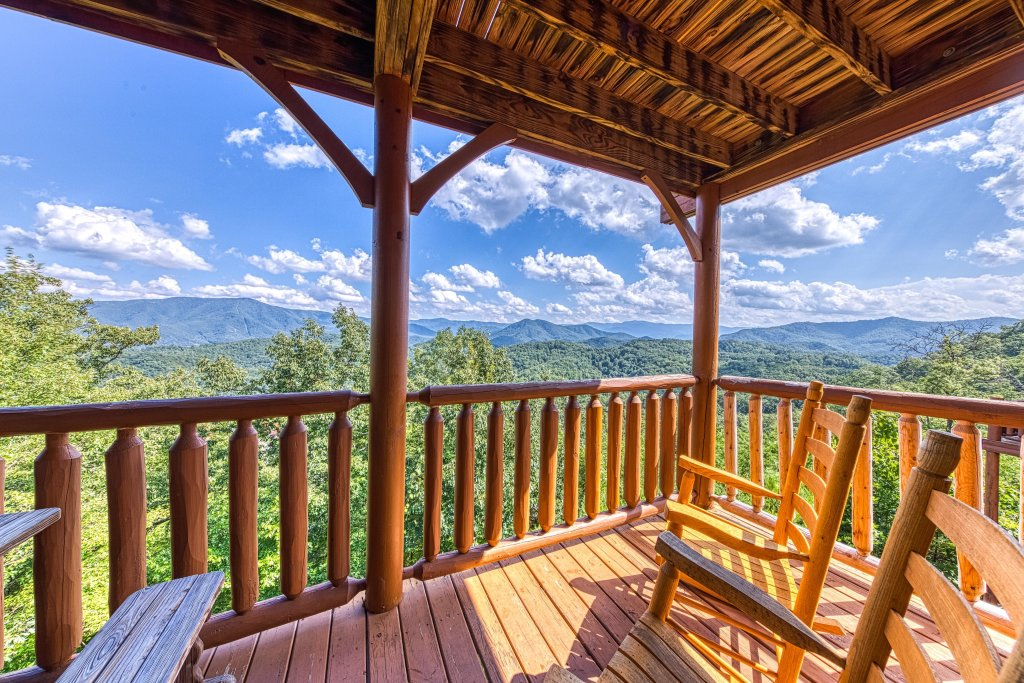 Photo of a Sevierville Cabin named Bella Vista - This is the thirteenth photo in the set.