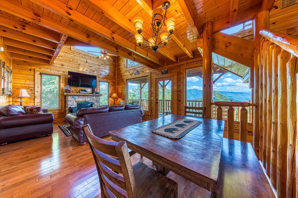 Photo of a Sevierville Cabin named Bella Vista - This is the tenth photo in the set.