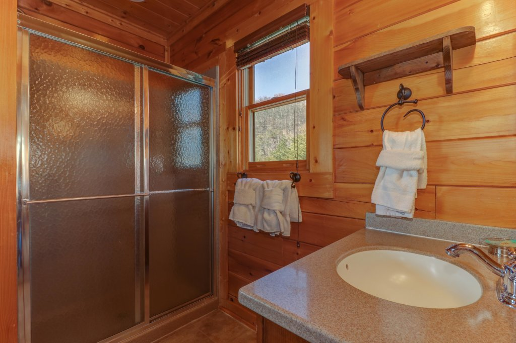Photo of a Sevierville Cabin named Bella Vista - This is the thirty-fourth photo in the set.
