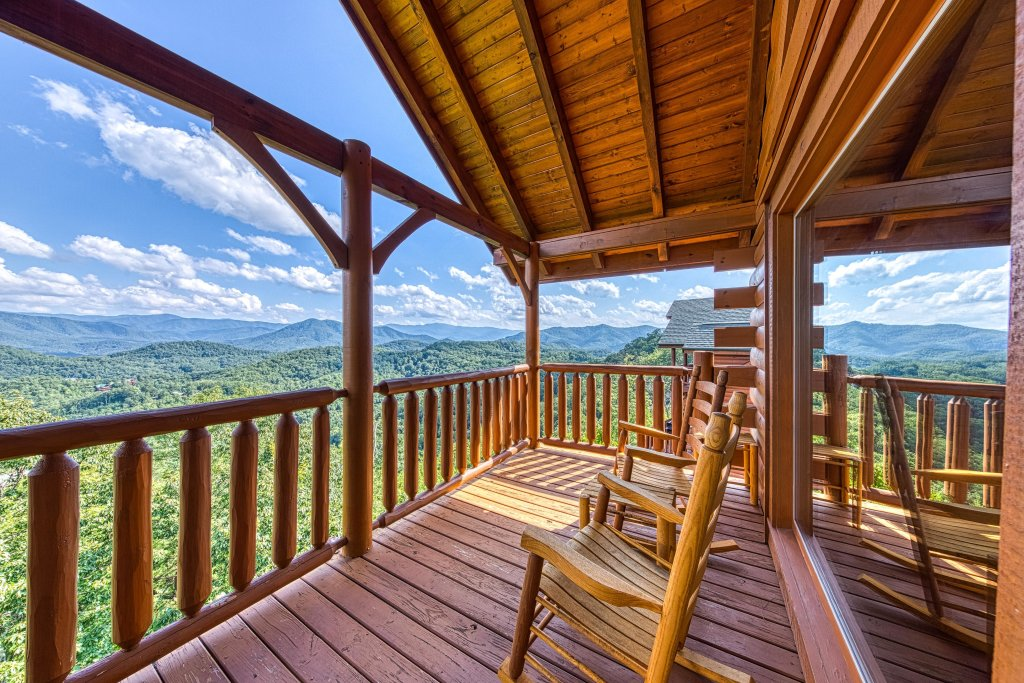Photo of a Sevierville Cabin named Bella Vista - This is the thirty-second photo in the set.