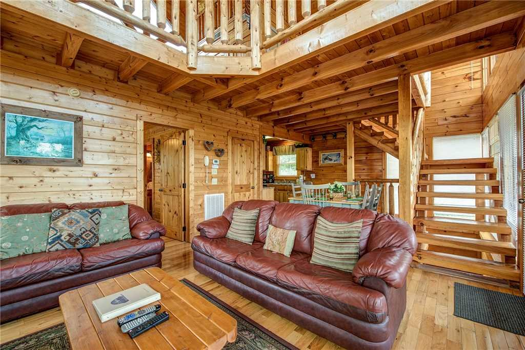 Photo of a Sevierville Cabin named Mountain Seduction - This is the third photo in the set.