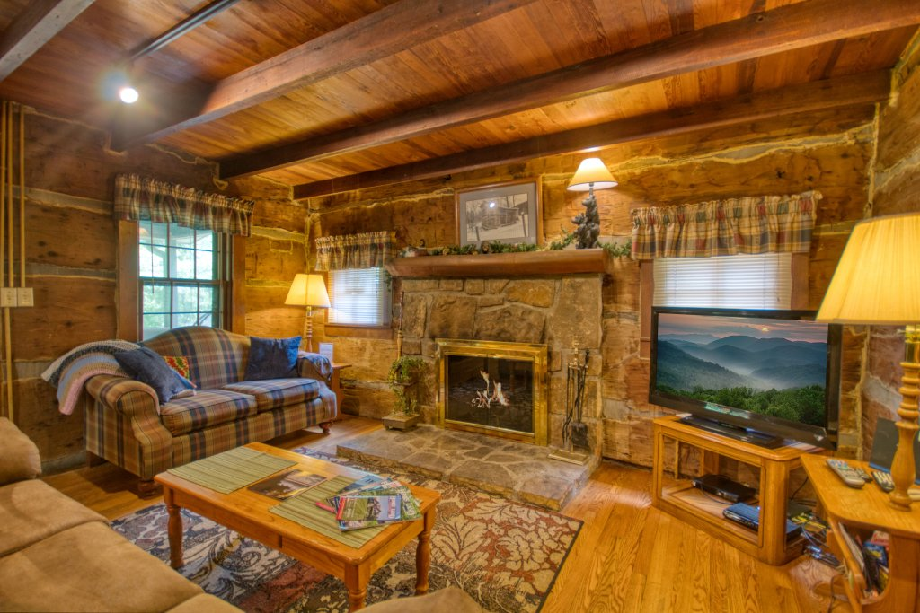Photo of a Gatlinburg Cabin named River Dream #466 - This is the fifth photo in the set.