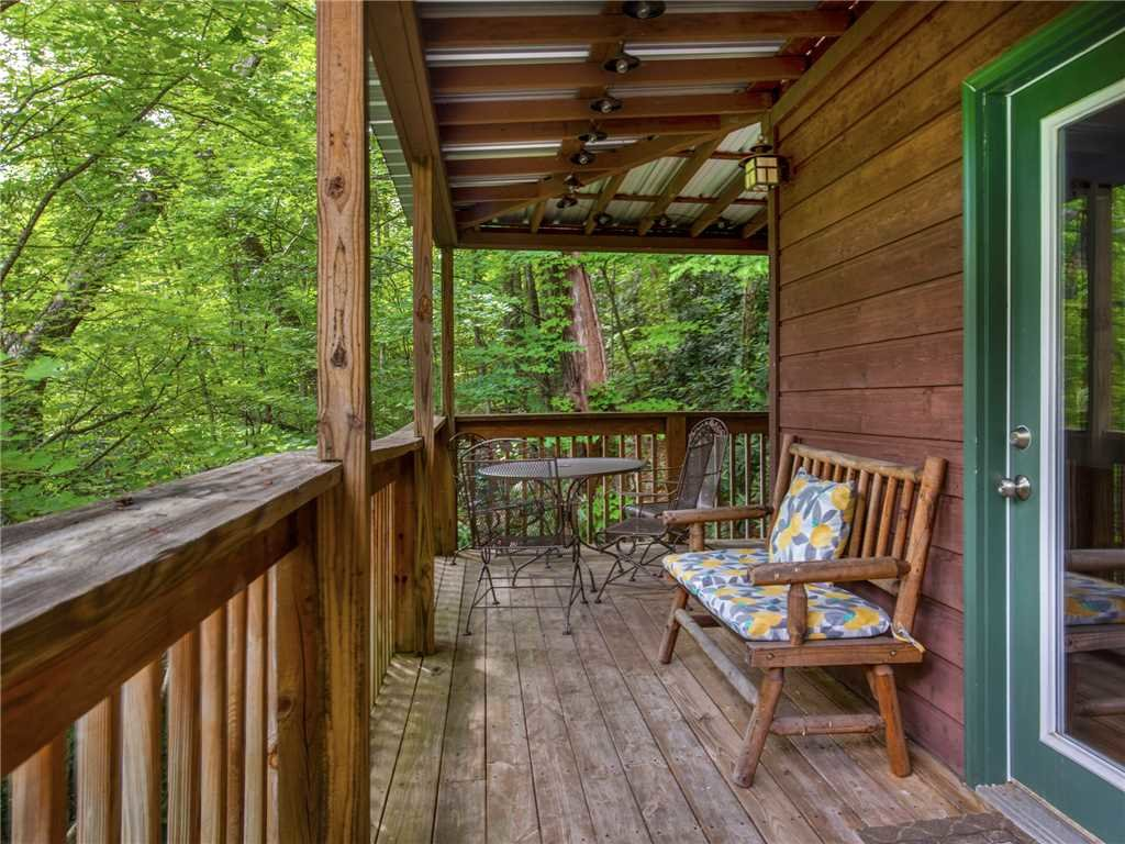 Photo of a Gatlinburg Cabin named Big Bear Ski Chalet - This is the second photo in the set.