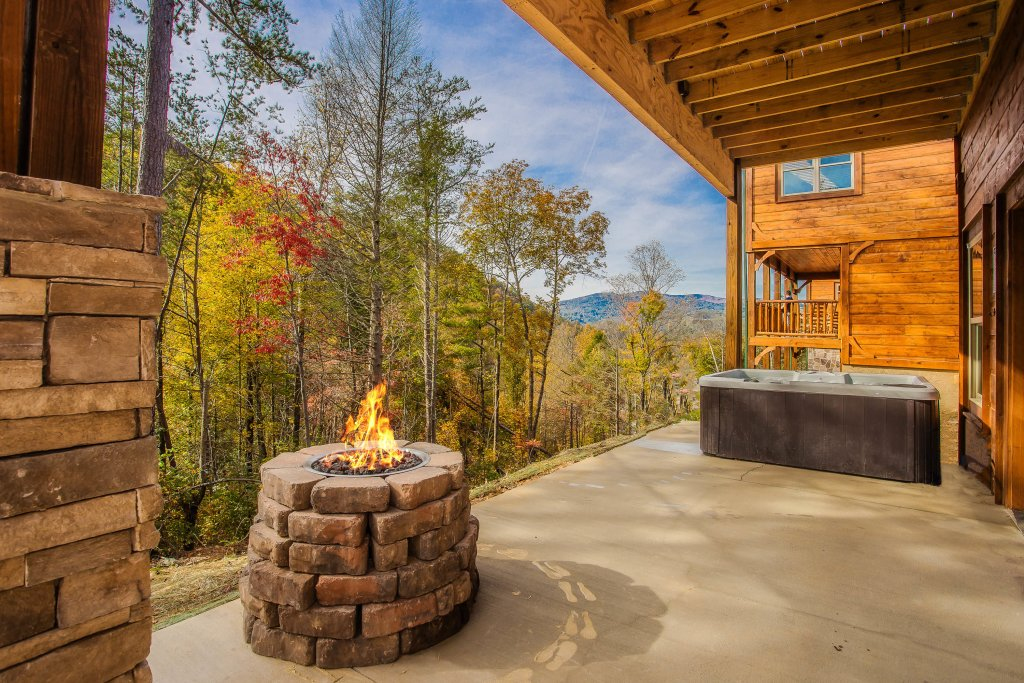 Photo of a Gatlinburg Cabin named Best Kept Secret - This is the fourth photo in the set.