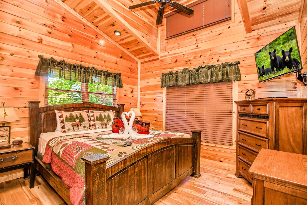 Photo of a Gatlinburg Cabin named Heavenly Hilltop Getaway - This is the eighth photo in the set.