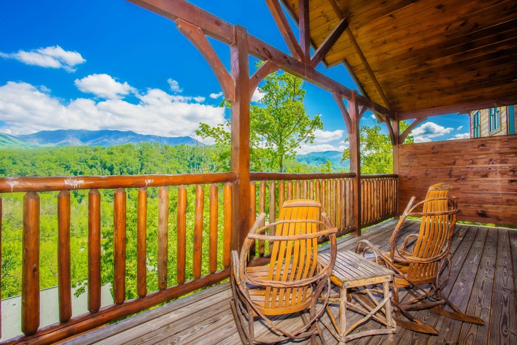 Photo of a Gatlinburg Cabin named Heavenly Hilltop Getaway - This is the first photo in the set.