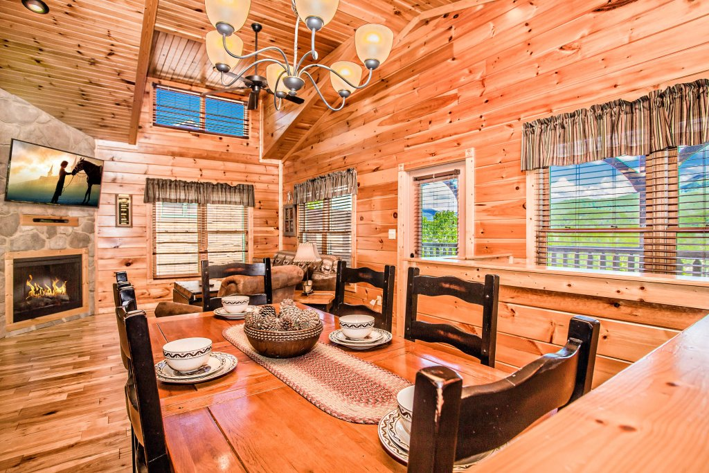 Photo of a Gatlinburg Cabin named Heavenly Hilltop Getaway - This is the fourteenth photo in the set.
