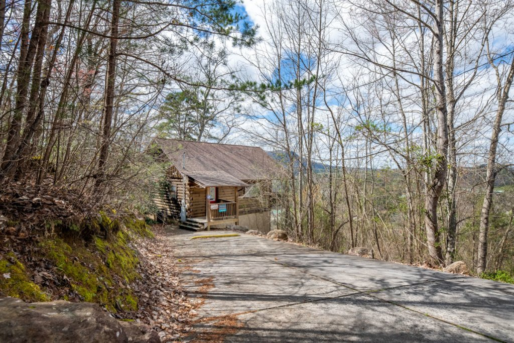 Photo of a Sevierville Cabin named Lucky Star - This is the twenty-fifth photo in the set.