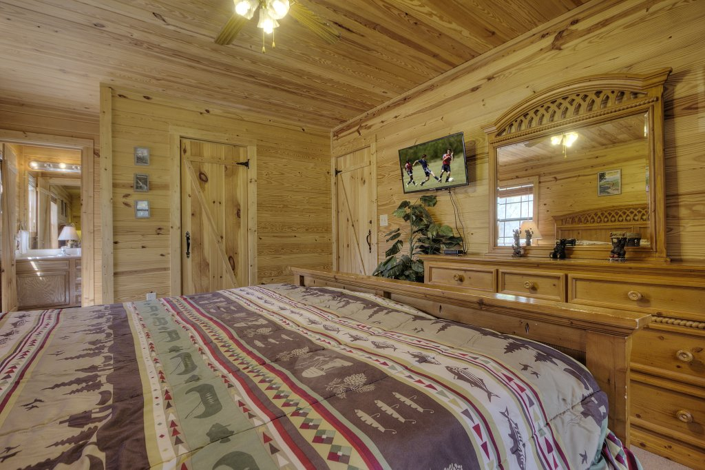 Photo of a Sevierville Cabin named Always Delightful #411 - This is the thirty-seventh photo in the set.