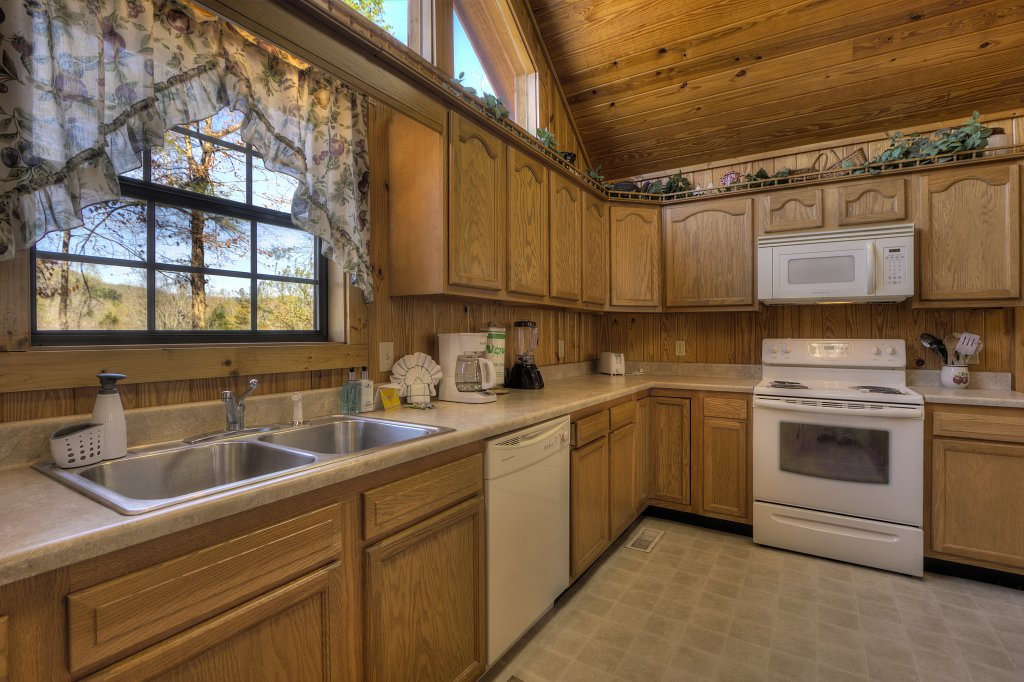 Photo of a Sevierville Cabin named Always Delightful #411 - This is the forty-second photo in the set.