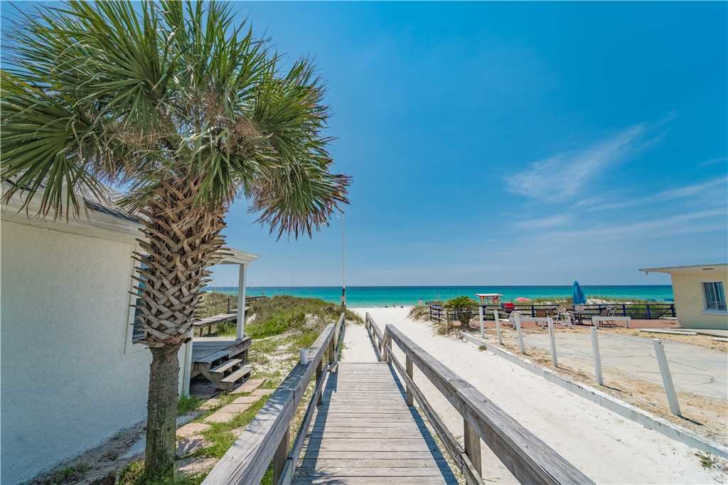 Photo of a Panama City Beach Condo named Tarpon 6 - This is the third photo in the set.