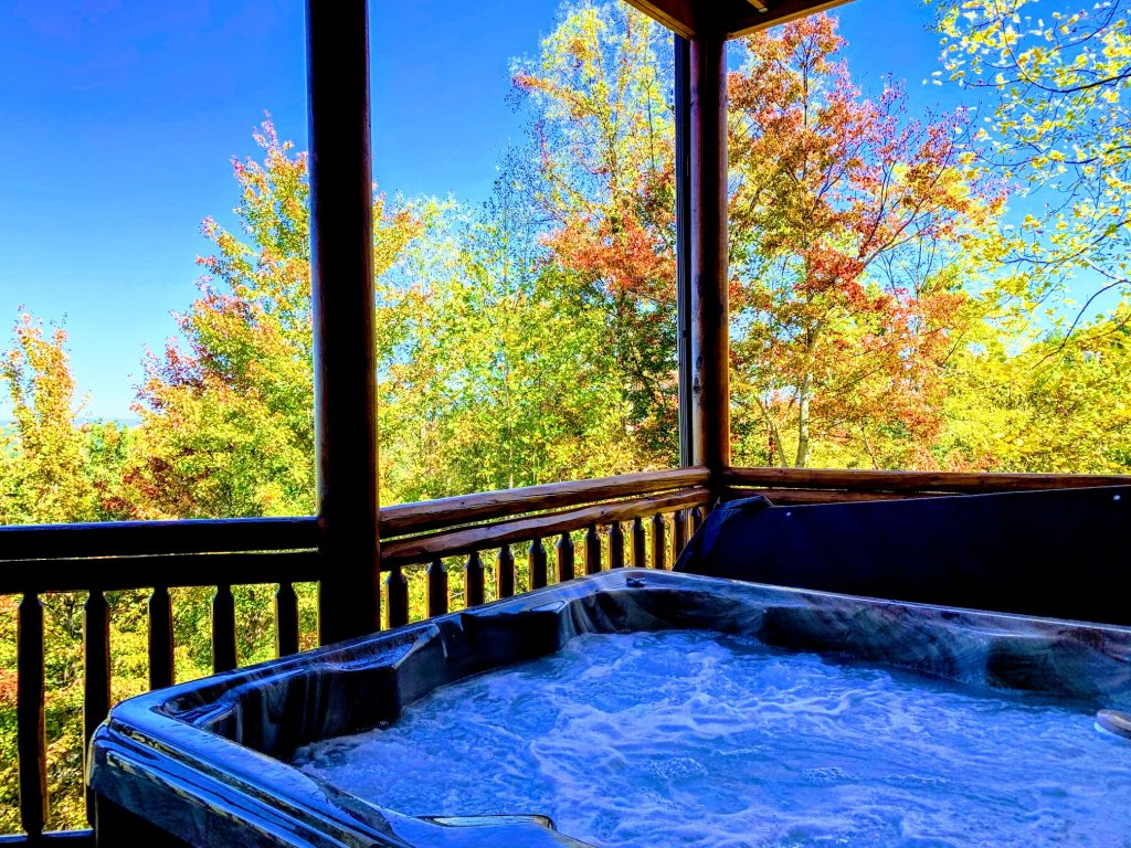 Photo of a Sevierville Cabin named Majestic View Lodge #426 - This is the fourth photo in the set.