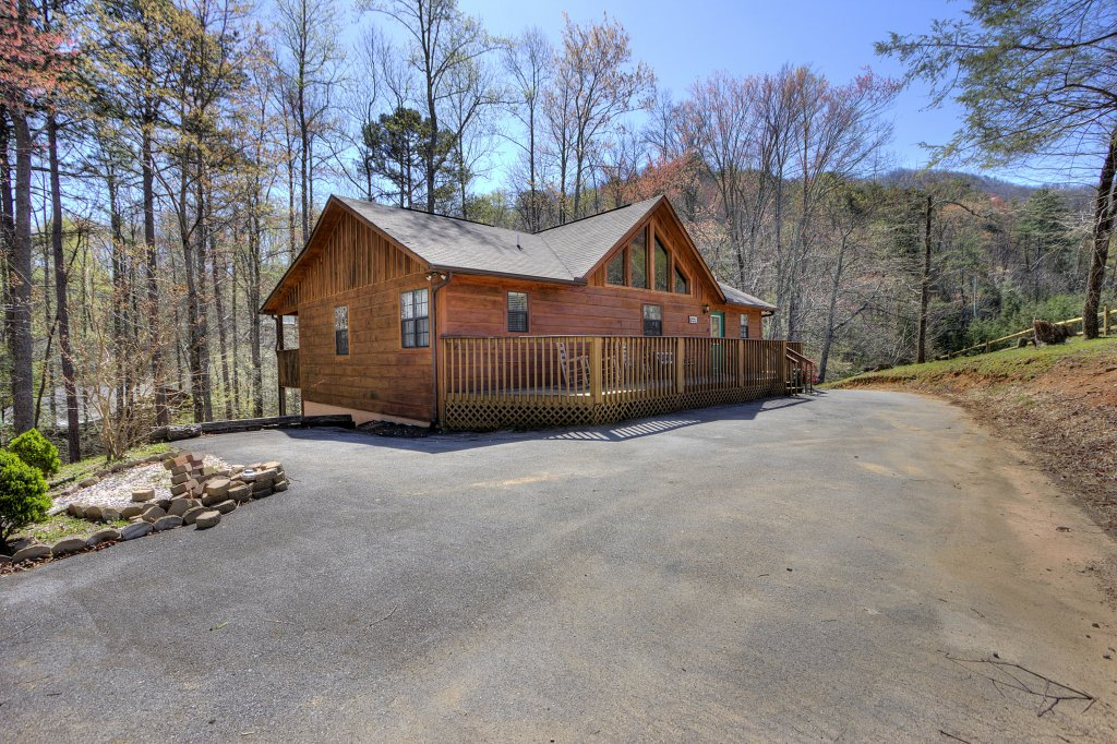 Photo of a Sevierville Cabin named Always Delightful #411 - This is the seventy-fourth photo in the set.