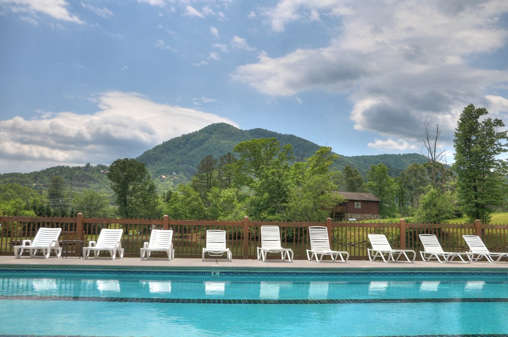 Photo of a Sevierville Cabin named Majestic View Lodge #426 - This is the nineteenth photo in the set.