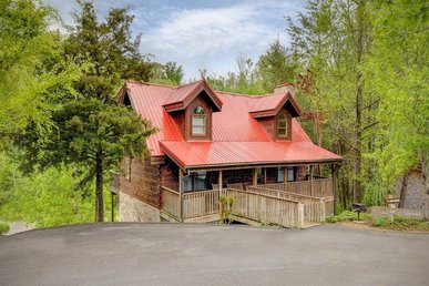 Luxury 5 Bedroom, 3 Bathroom Pigeon Forge Cabin With Game And Theater Rooms.