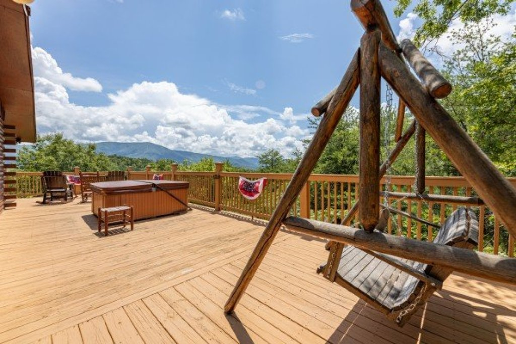 Photo of a Sevierville Cabin named Rustic Roost - This is the eleventh photo in the set.
