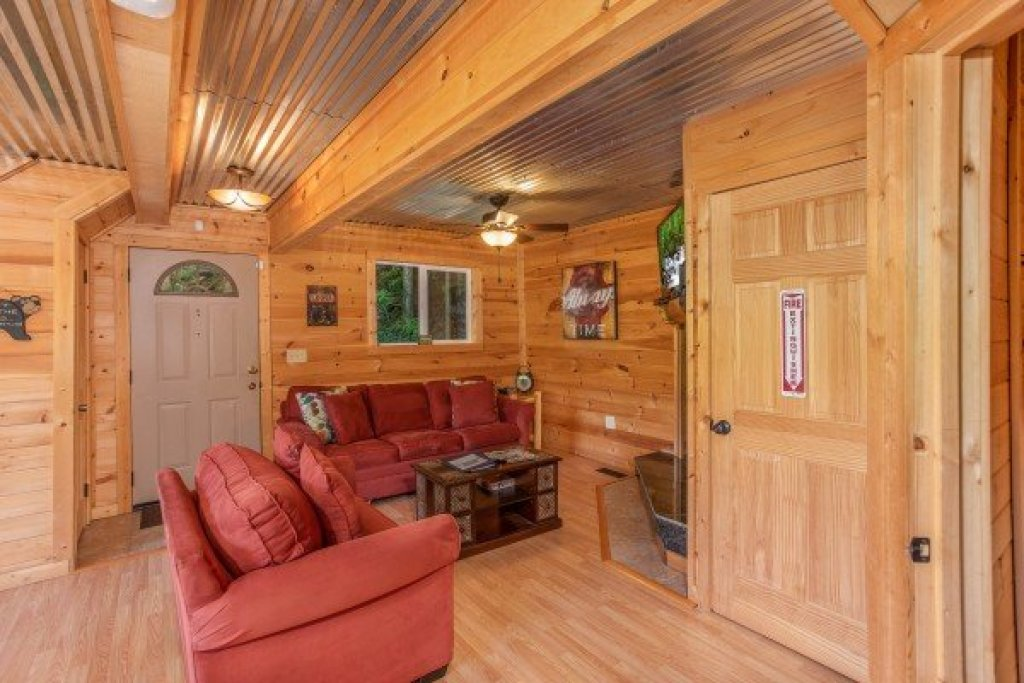Photo of a Gatlinburg Cabin named License To Chill - This is the fourth photo in the set.
