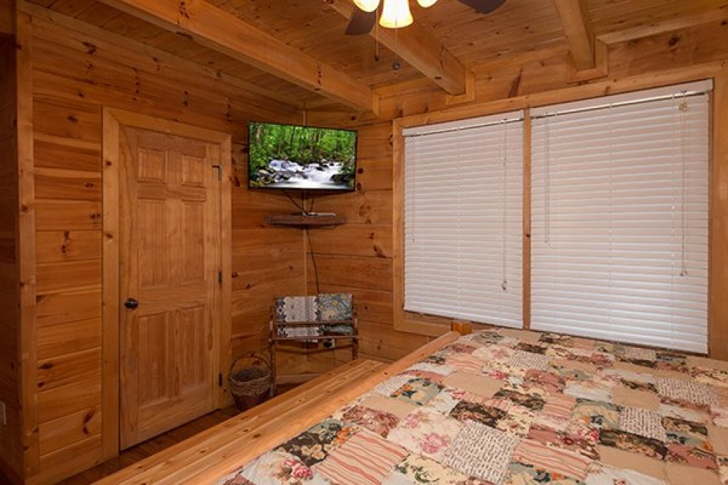 Photo of a Pigeon Forge Cabin named Amazing Journey - This is the twelfth photo in the set.