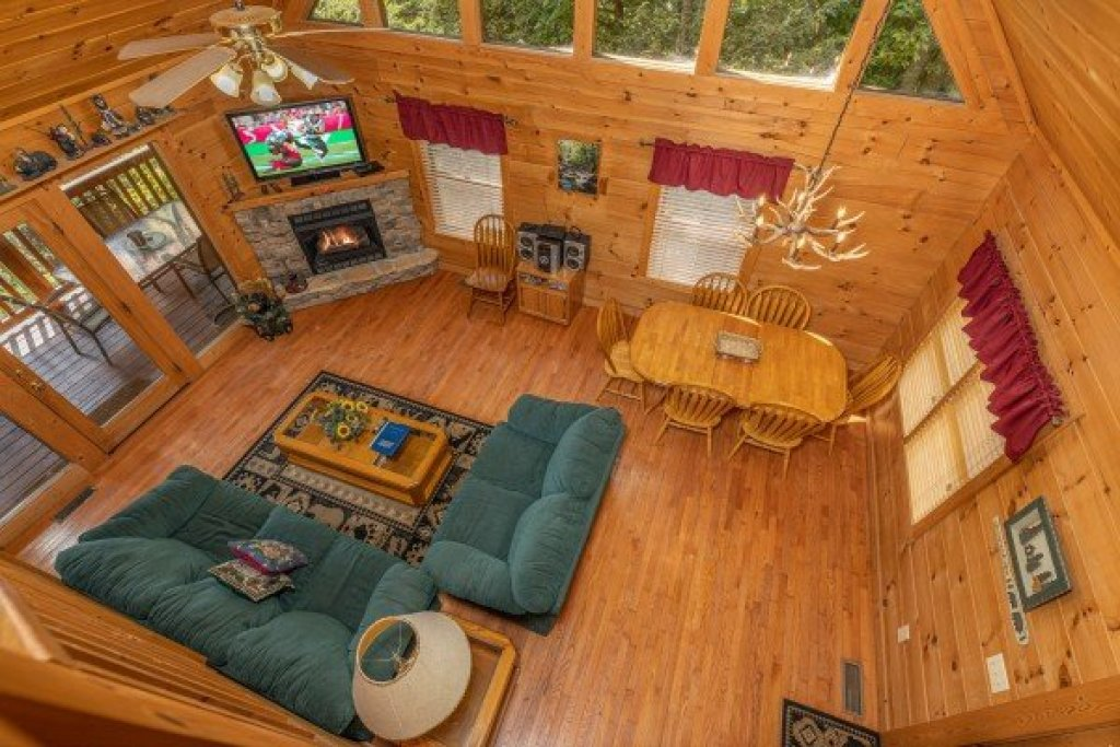 Photo of a Gatlinburg Cabin named Cub's Crossing - This is the nineteenth photo in the set.