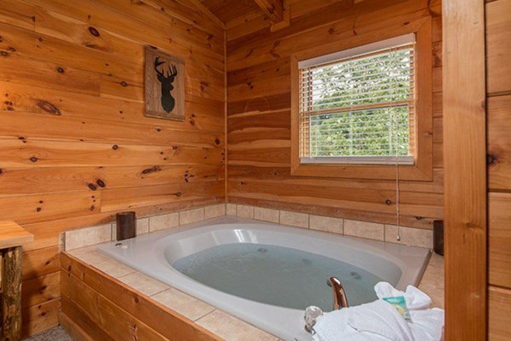Photo of a Pigeon Forge Cabin named Amazing Journey - This is the twenty-first photo in the set.