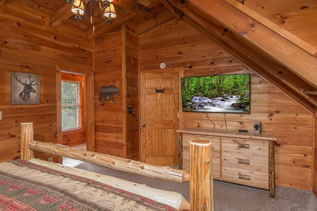 Photo of a Pigeon Forge Cabin named Amazing Journey - This is the twentieth photo in the set.