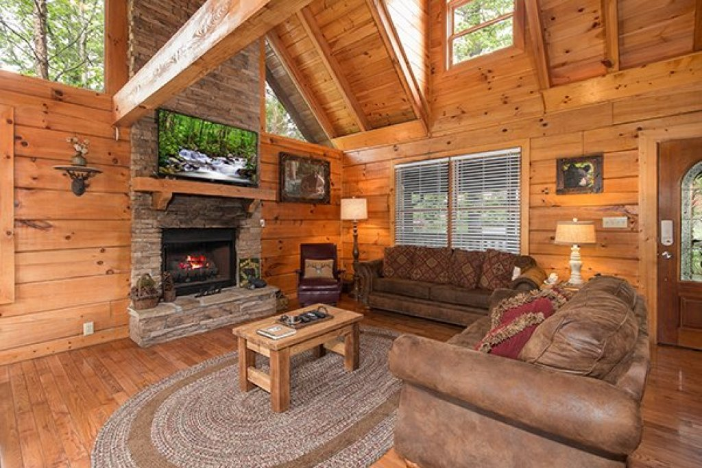 Photo of a Pigeon Forge Cabin named Amazing Journey - This is the third photo in the set.