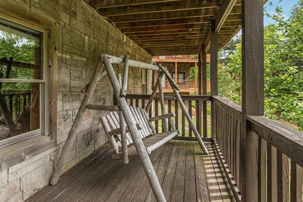 Photo of a Pigeon Forge Cabin named Amazing Journey - This is the thirty-second photo in the set.