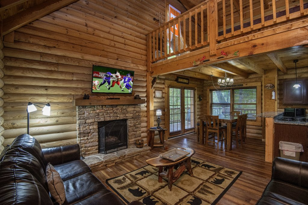 Photo of a Pigeon Forge Cabin named  The Great Escape - This is the third photo in the set.