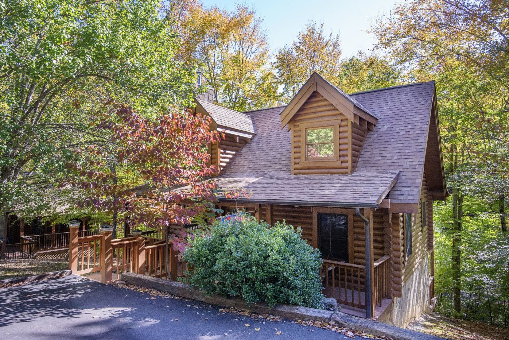 Photo of a Pigeon Forge Cabin named  The Great Escape - This is the first photo in the set.